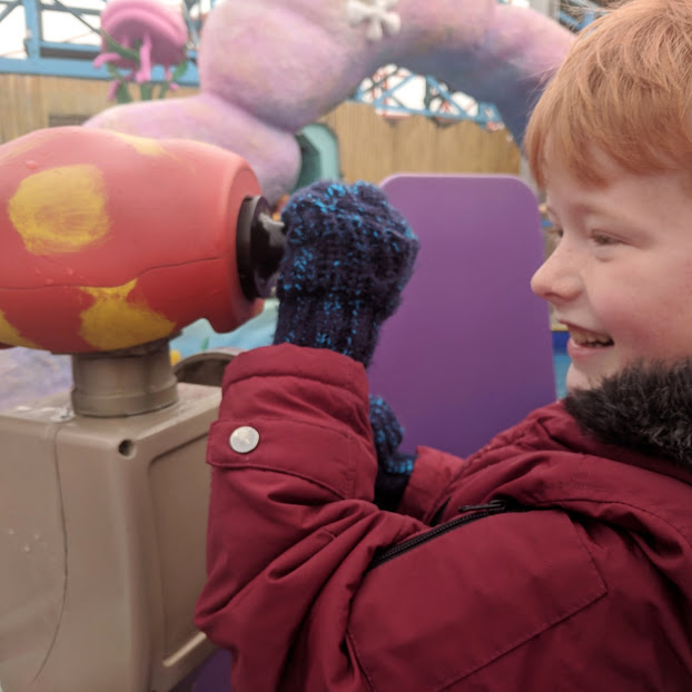 The Big Blue Hotel Blackpool | Pleasure Beach Package & Deluxe Family Room Review  - spongebob water ride