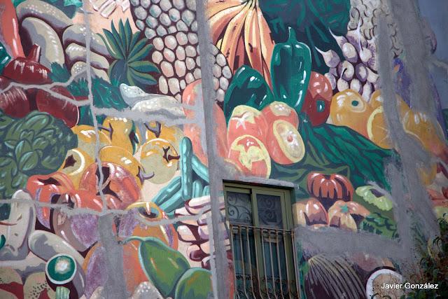 Trampantojos. Murales. Bodegón de Frutas. Alberto Pirrongelli. Puerta Cerrada. Madrid
