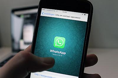 Cara membuat Huruf Tebal, Miring, dan garis Coret Di WhatsApp