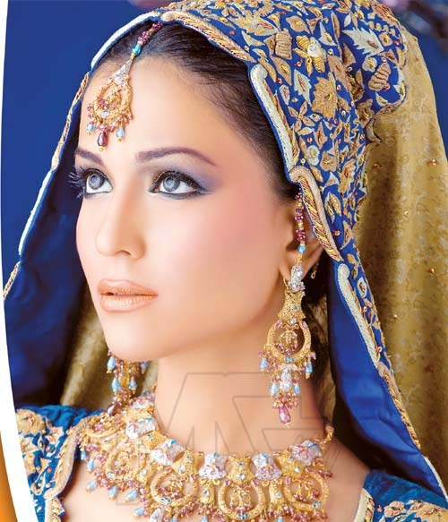 Bridal Jewellery And Beauty Makeup