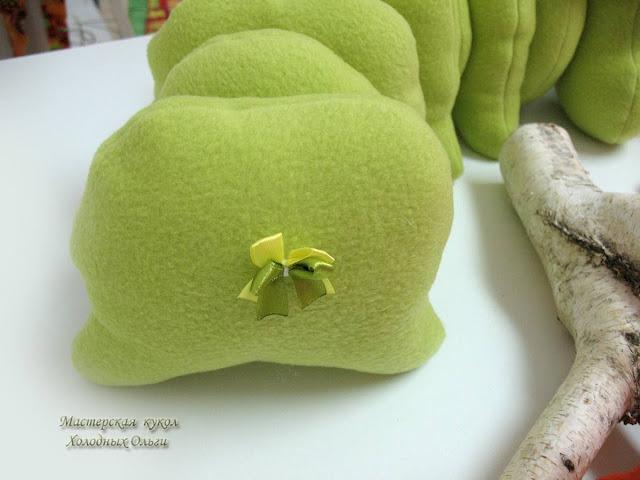 Гусенички попа с бантиком