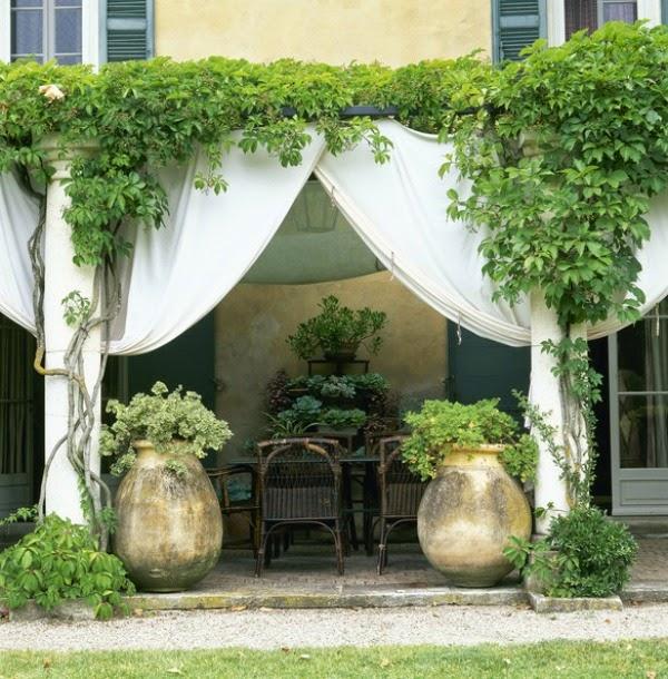 15 ideas para decorar la terraza vistas en lonny guia for Hamacas para el jardin