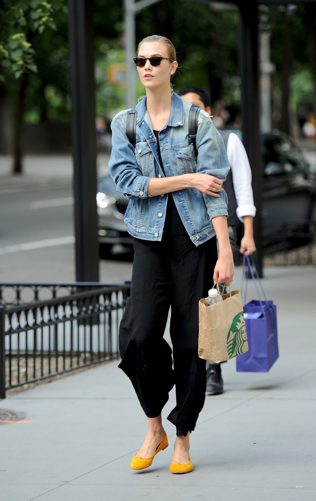 Karlie Kloss Does Casual Street Style in NYC