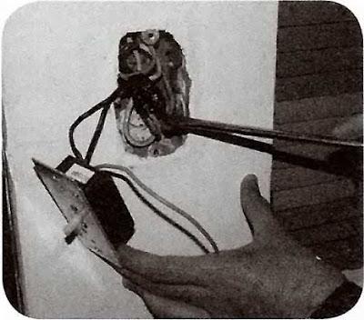 Instalaciones eléctricas residenciales - Acomodando cables en chalupa