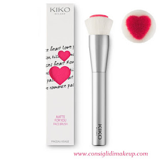 heart shaped brush