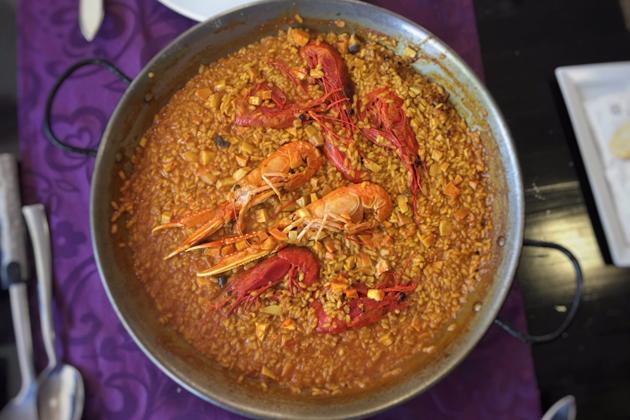 La ruta gastronómica perfecta para los amantes de la paella y los arroces en Madrid