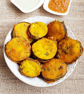 http://myindiantaste.com/eggplant-pakora-recipe-baingan-pakorapakoda/
