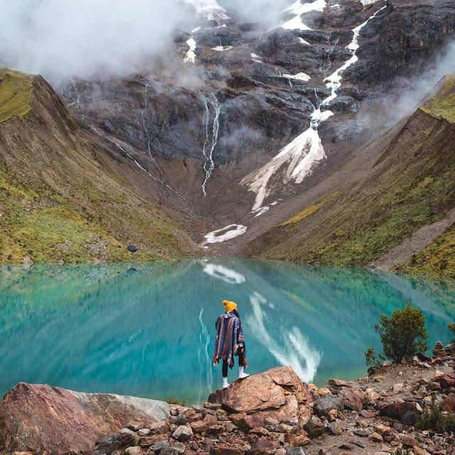 Cuộc phiêu lưu sinh thái này sẽ đưa bạn đi bộ dọc theo đường mòn Salkantay, qua những sườn núi nguyên sơ trong khi ngắm nhìn những cánh đồng, đi qua các hồ băng như Humantay, những ngôi làng đẹp như tranh vẽ và các thành cổ Inca ở Machu Picchu. Đây cũng là hành trình được tạp chí du lịch National Geographic Adventure bình chọn là một trong 25 địa điểm trekking đẹp nhất thế giới mà bạn nên thử.