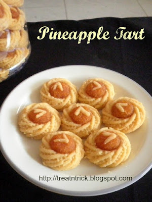Pineapple Tart Recipe @ treatntrick.blogspot.com