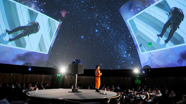 Se vienen las charlas ID en el Konex donde personas comunes cuentan su historia en el escenario