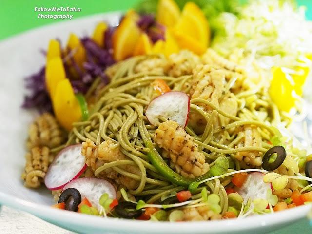 Cajun Squid Flower & Soba Noodle Salad