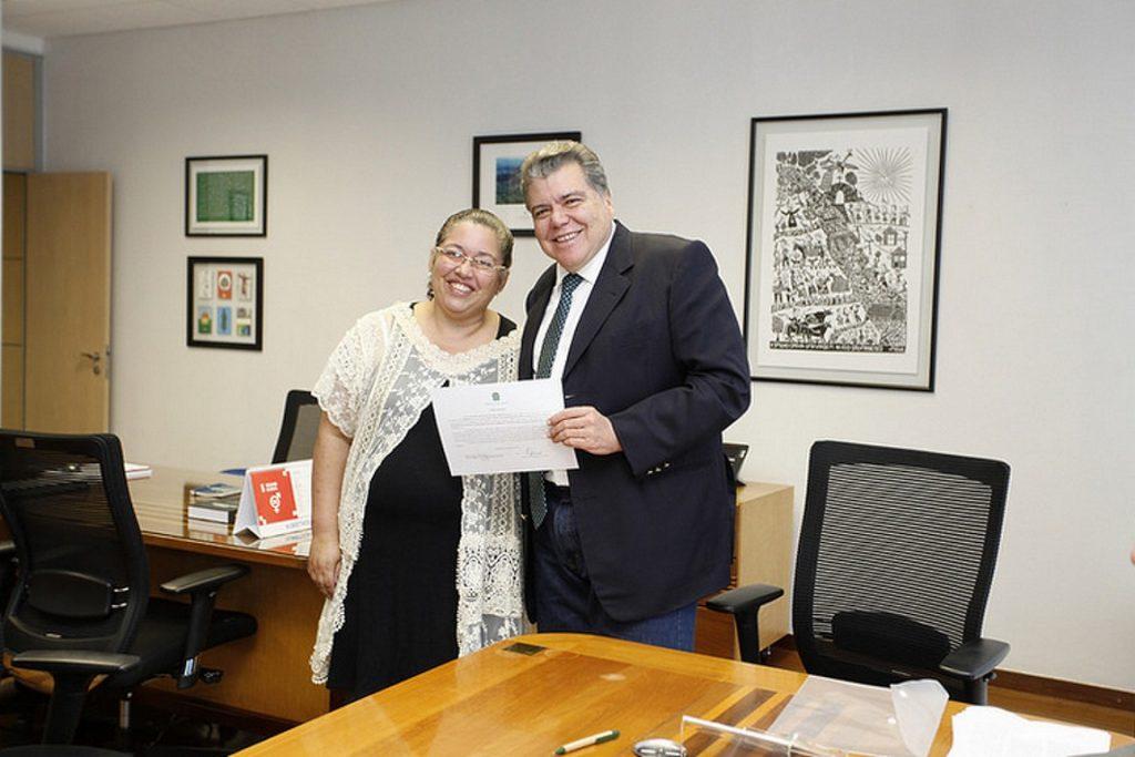 Resultado de imagem para O Ministro do Meio Ambiente, Sarney Filho, e a presidente do Ibama, Suely Mara Vaz Araújo.