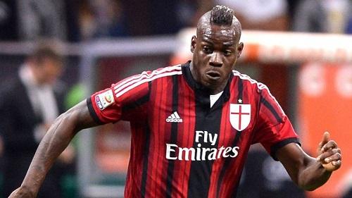 Balotelli trong màu áo AC Milan.