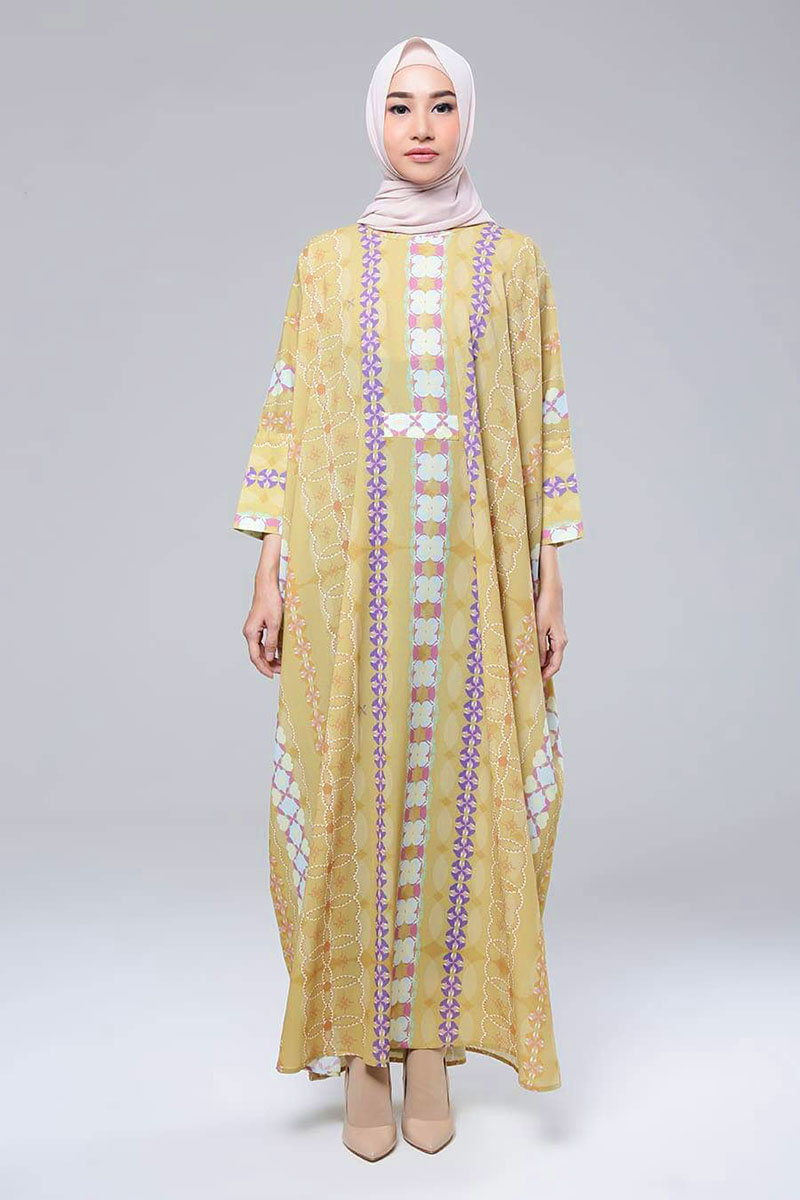 Hijab kaftan bermotif cantik dan manis