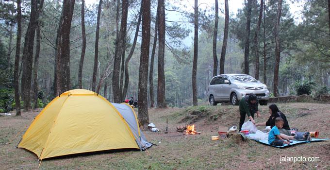 camping bandung di gunung puntang