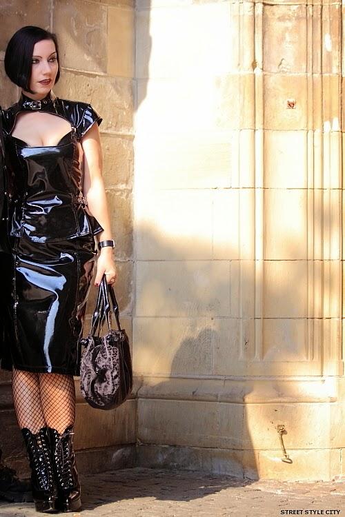 www.streetstylecity.blogspot.com streetstyle: Little black pvc vinyl dress Patent faux leather dress