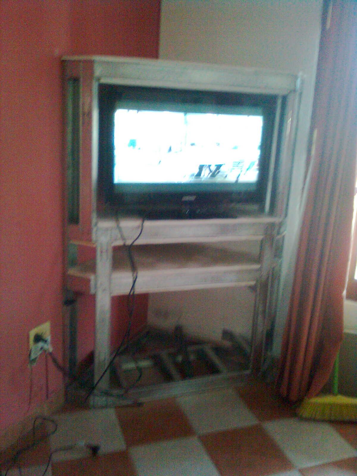 Diario de un Laburante Mueble para TV de Durlock Parte 2