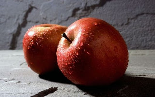 Apel termasuk dalam famili Rose pada tanaman Manfaat Buah Apel Bagi Kesehatan, Nutrisi, Kandungan, Polifenol, Antioksidan