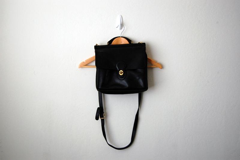 7d47ef70c321 ... coupon code for 1990s vintage coach willis leather purse handbag black  be160 a5bc7