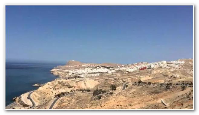 يكلفون 200 مليون أورو سنويا.. 13 ألف عنصر من القوات البرية المغربية يراقبون الحدود في الشمال