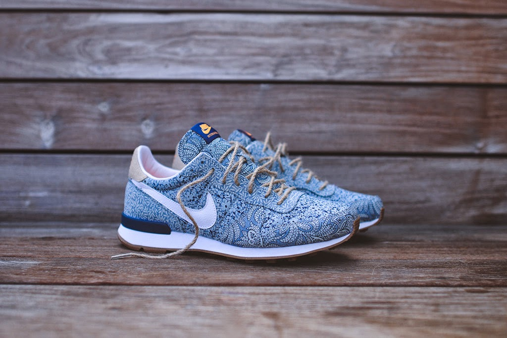 pretty nice 88557 45493 Nike refreshes its iconic models with the new Liberty London collection,  mixing traditional Liberty fabrics with Nike s sport aesthetic.