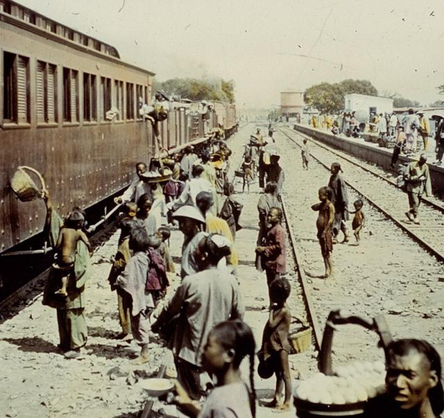 Tàu lửa châu á 1986
