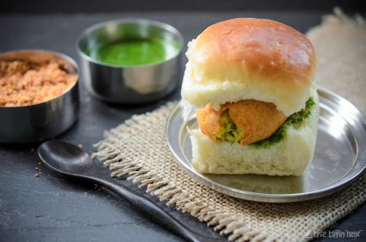 Indian Street Food - Vada Pav (Spicy Potato Patties in a Soft Roll) With Dry Garlic/ Chilli/ Coconut and Cilantro/ Mint Chutneys