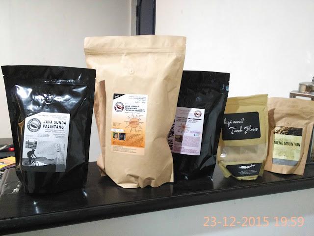 Aneka kopi di Studio Kopi Sang Akar