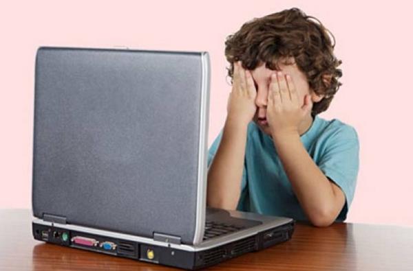 Estudo diz que pais não protegem seus filhos na internet