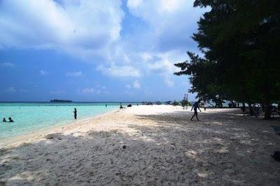 Destinasi Wisata Pulau Gleyang di Karimun Jawa