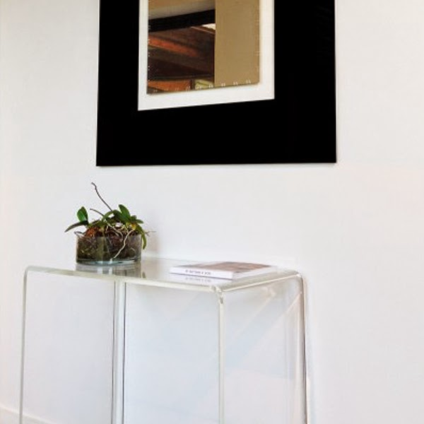 consolle moderna in plexiglass con specchio