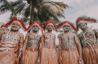 7 Tradisi Adat Papua Yang Unik