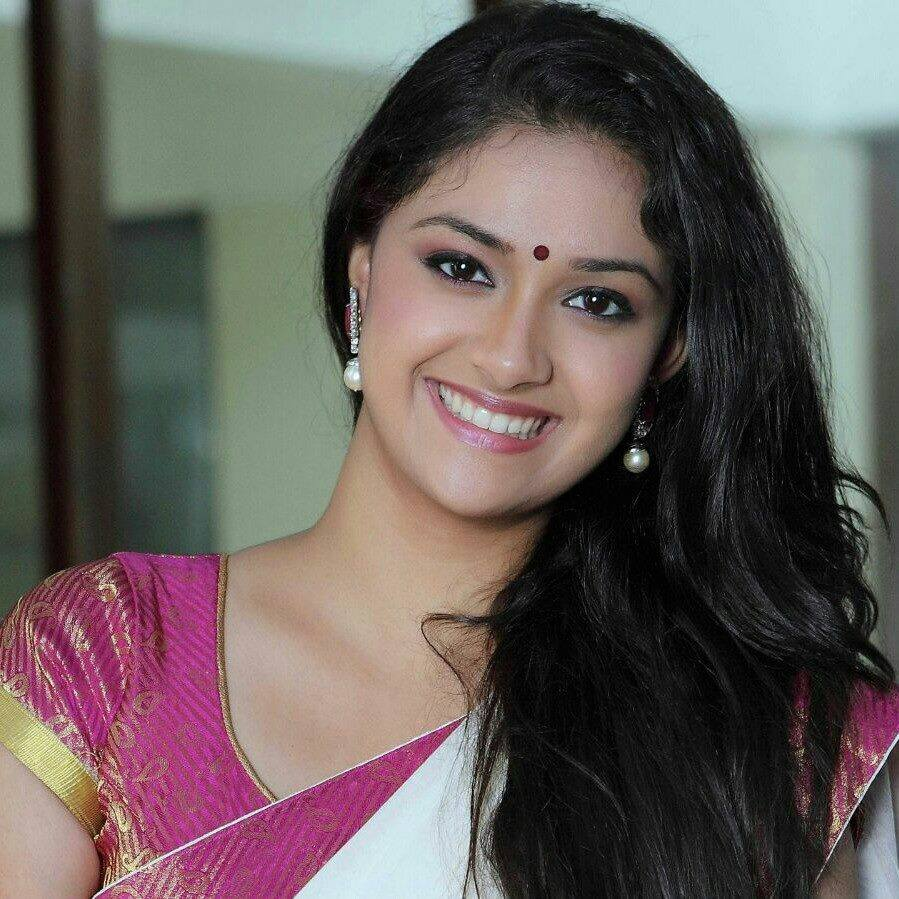 keerthi suresh gorgeous in saree reveals never go glamour cinemagallop