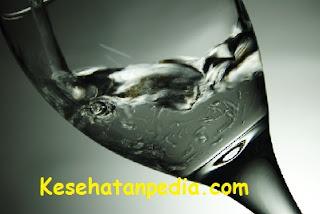 6 Manfaat Minum Air Putih Setelah Bangun Tidur
