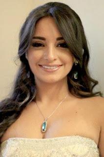 زينه افتيموس (Zeina Aftimos)، ممثلة ومغنية سورية، من مواليد عام 1988.