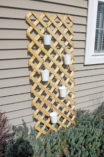 lattice with pots
