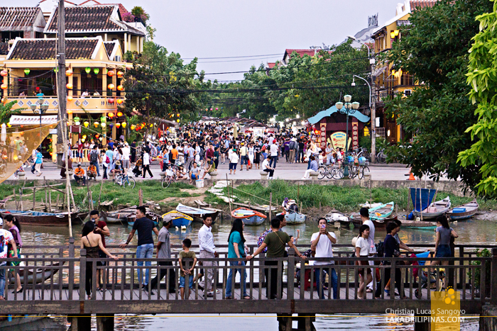 Hoi An Ancient Town Vietnam Weekend Tourists