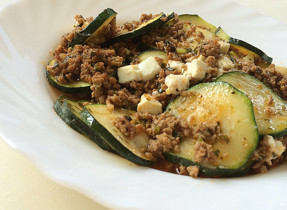 low carb rezepte griechischer zucchini auflauf mit feta low carb. Black Bedroom Furniture Sets. Home Design Ideas