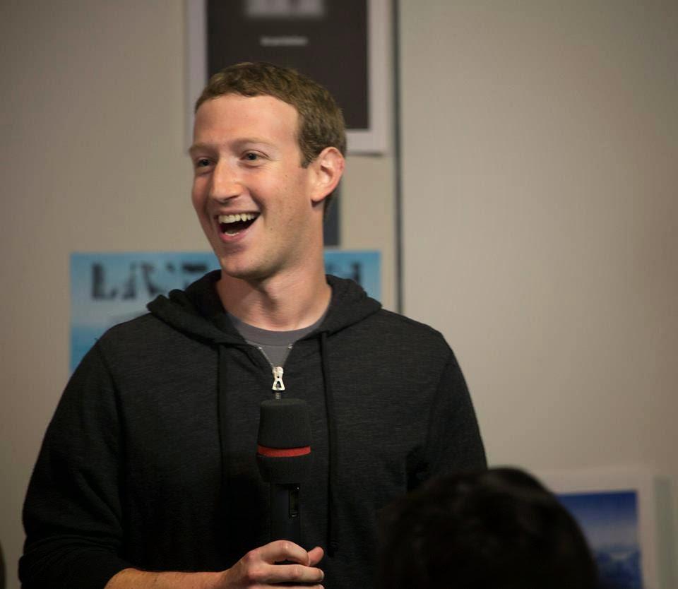 佐克伯:即時通訊是少數比社交網絡能做更多事的服務!