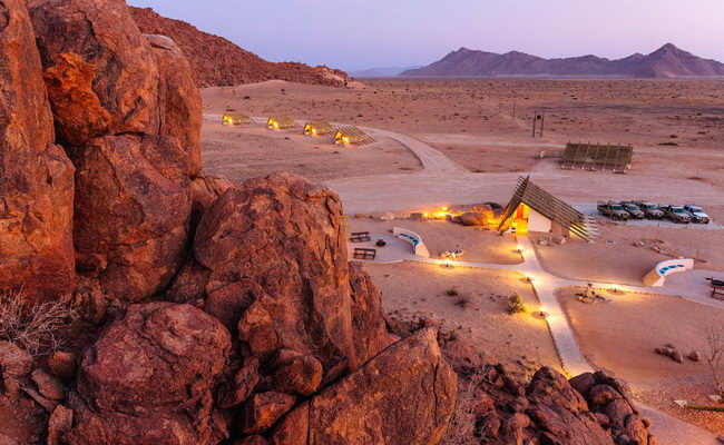 Xvlor.com Namib-Naukluft National Park is orange wilderness of 49,768 sq km