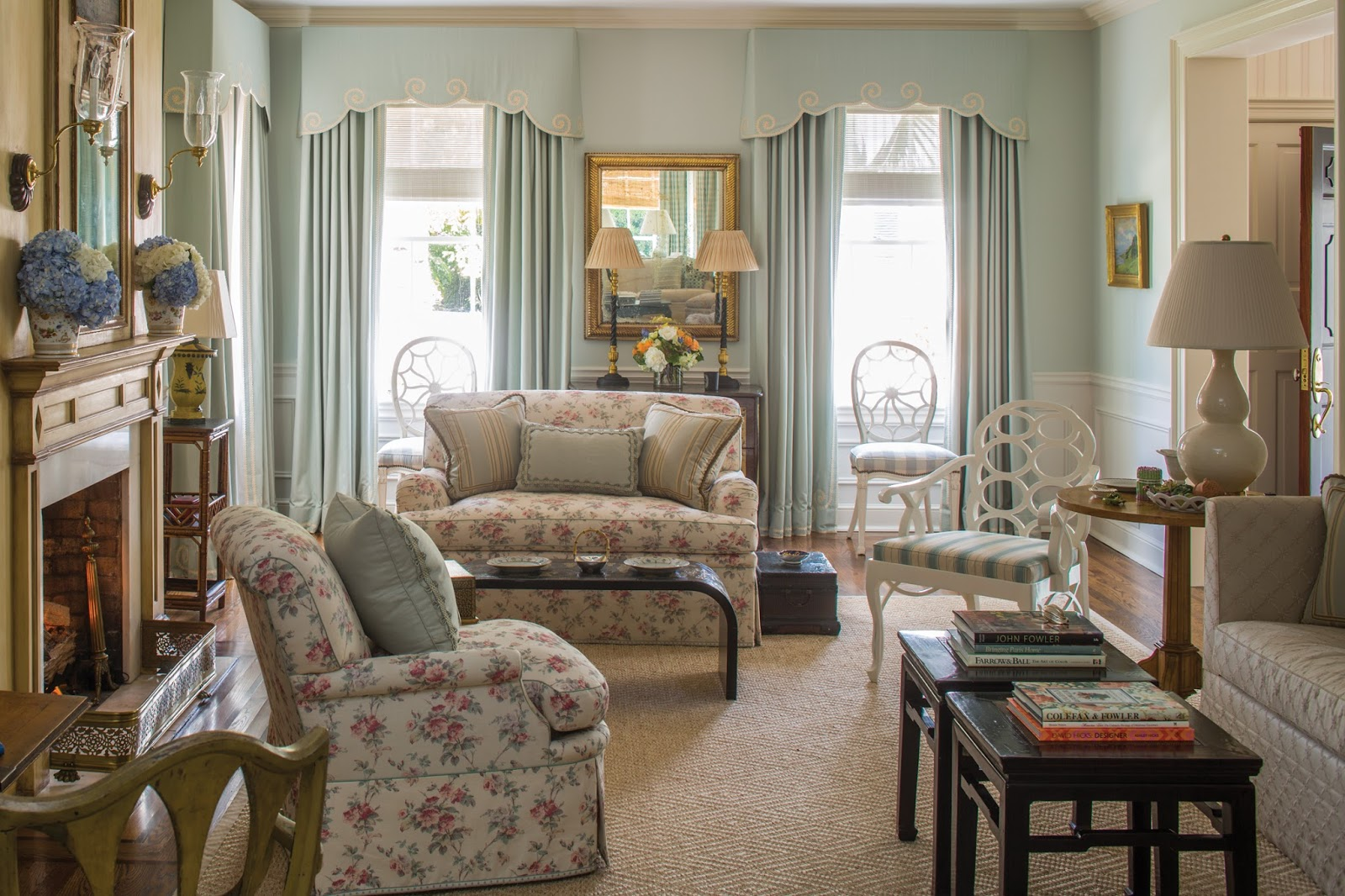 Traditional interiors by leta austin foster the glam pad for Traditional furnishings