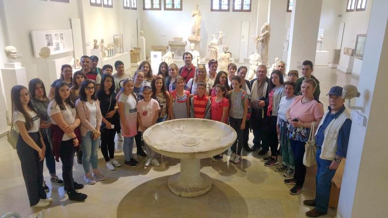 Επίσκεψη μαθητών από την ΠΓΔΜ σε αρχαιολογικούς χώρους της Μακεδονίας