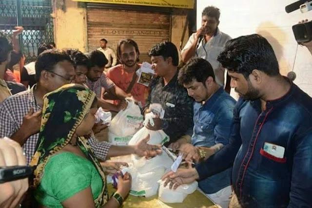 दिवाली के मैक़े पर AIMIM ने ग़रीब हिंदु परिवारों में बांटे दिवाली पैकेज