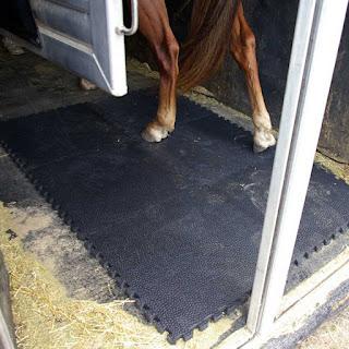Greatmats portable horse stall mats horse trailer mats interlocking