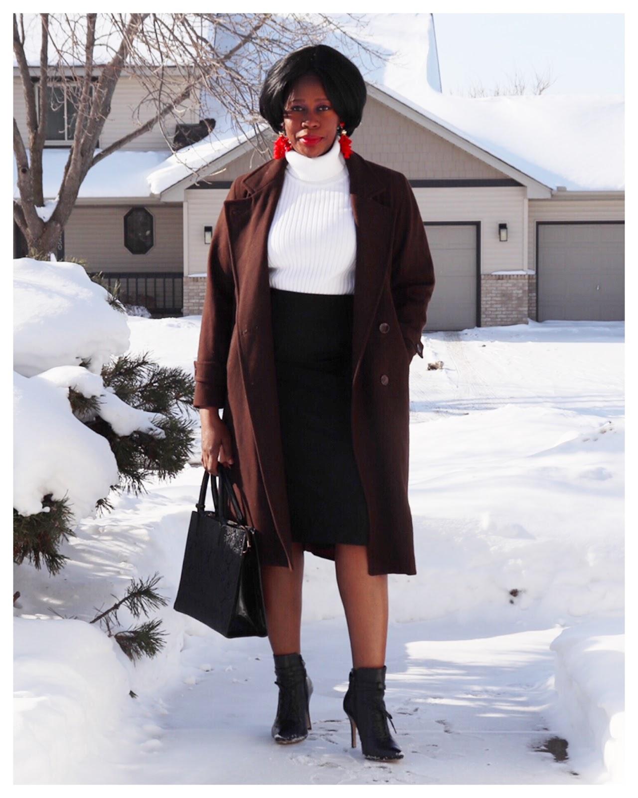Fashion Beauty Zone: Beauty's Fashion Zone: White Turtle Neck Sweater + Black