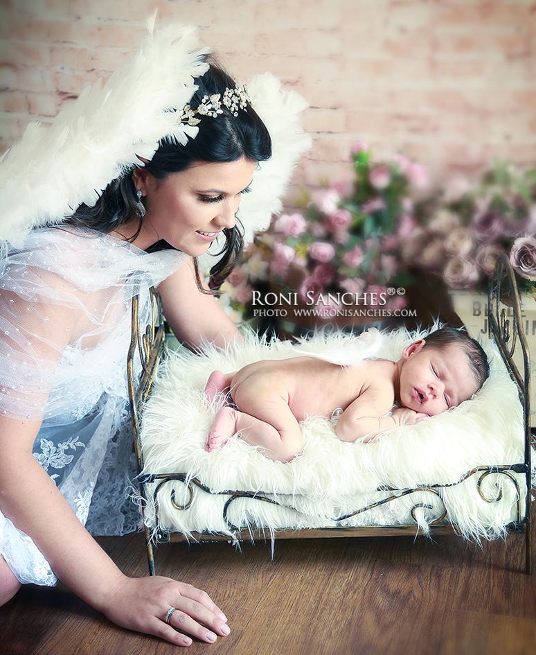 sessão de fotos com recém-nascido de 8 dias com a mãe