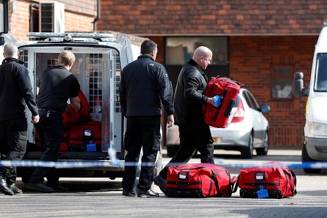 O primeiro contato de Sergei Skripal e sua filha com o agente nervoso Novichok foi em sua casa, diz a polícia britânica.