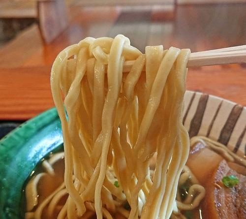 くだか(沖縄)そばの麺の写真