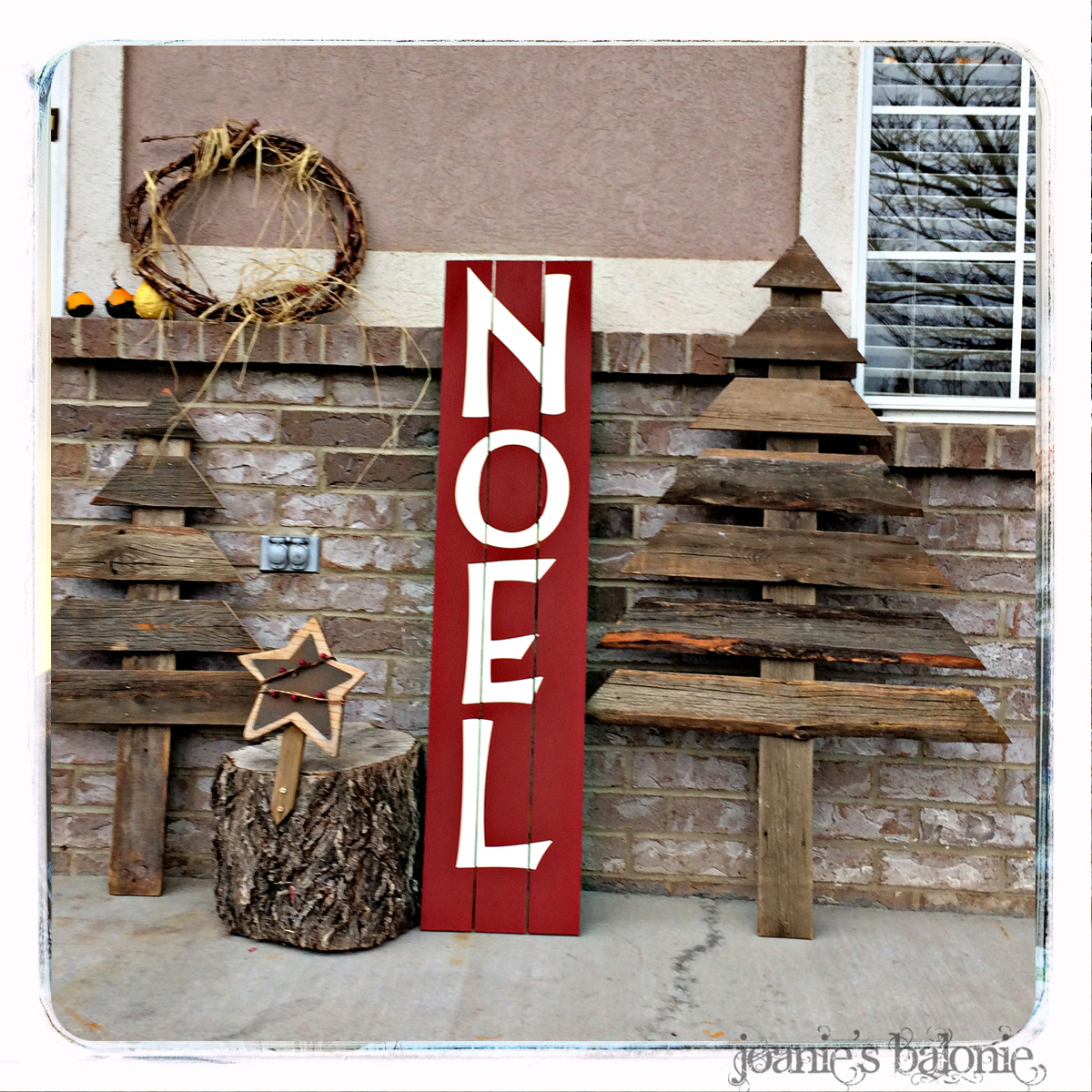 Joanie 39 s balonie noel sign and barnwood christmas trees for Barnwood decor