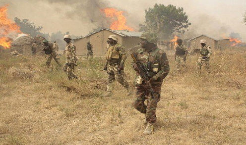 nigerian soldiers captures fleeing terrorists